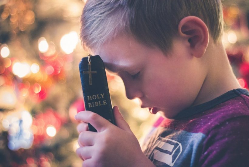 Simple Tips For Teaching Kids To Pray